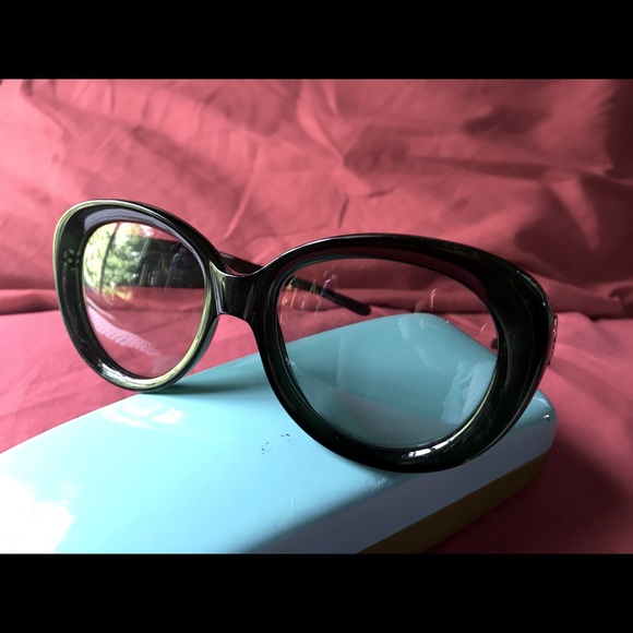 GUCCI Vintage style sun glasses